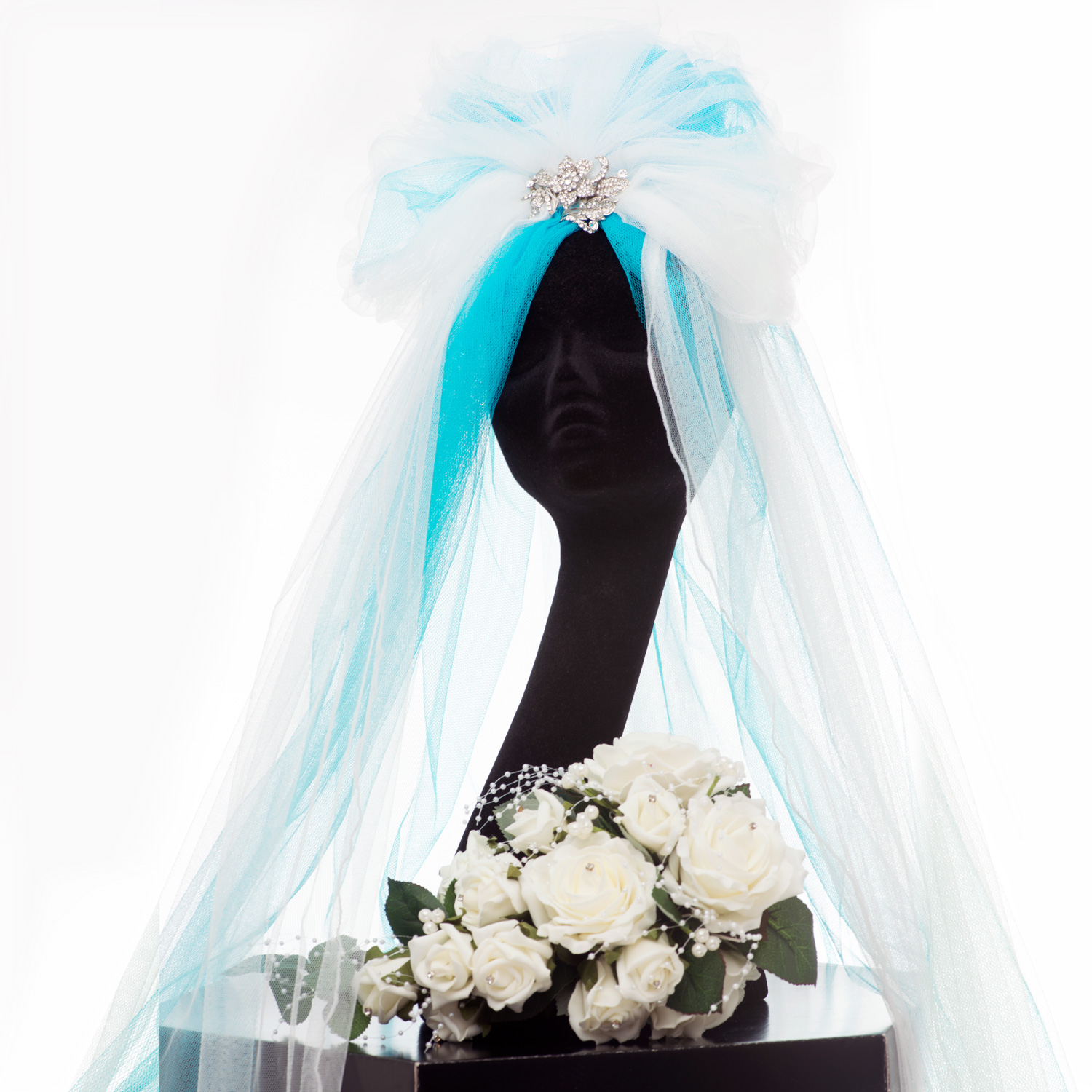 TURQUOISE AND WHITE WEDDING VEIL